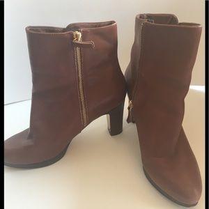 Nine West Platform Heel Ankle Boot. 9